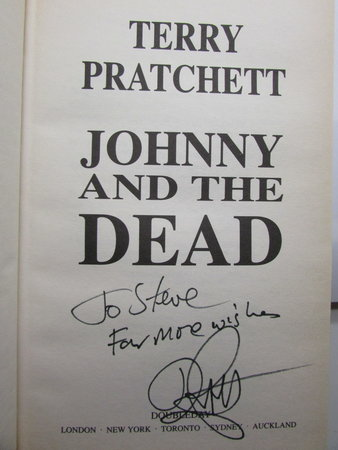 Johnny and the Dead by PRATCHETT, Terry