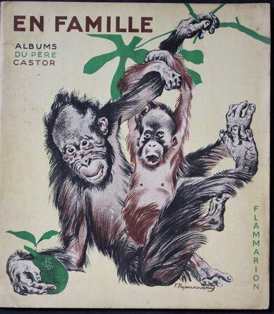 Albums du Père Castor. EN FAMILLE. Dessins de F. Rojankovsky. Text de Marguerite Reynier. Flammarion Éditeur. by REYNIER, Marguerite.