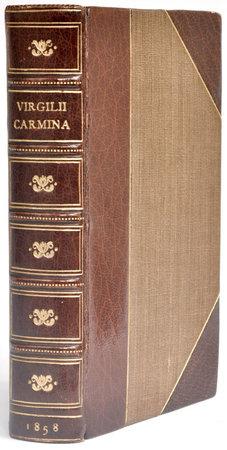 Carmina omnia perpetuo commentario ad modum Joannis Bond explicuit FR. Dubner. by VIRGIL.