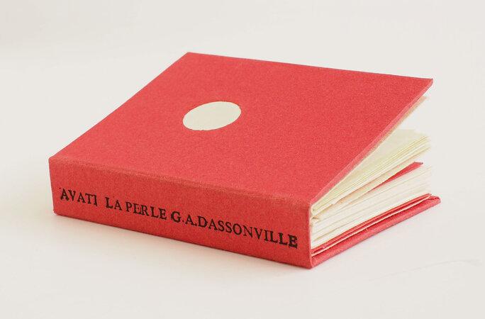 La Perle. Un Conte de Noel. by (MINIATURE BOOK). AVATI, Mario, illustrator. G. A. DASSONVILLE.