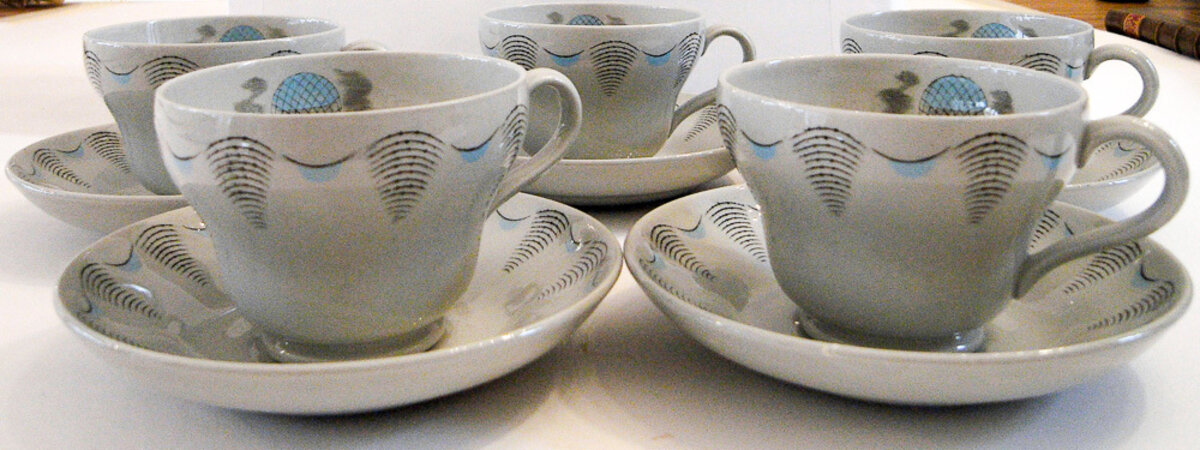 Wedgwood Travel china - Five tea cups and saucers. by RAVILIOUS, Eric.