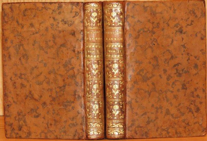 Dictionnaire d'Anecdotes, de traits singuliers et caracteristiques, historiettes, bon mots, naivetes, sailles, reparties ingenieuses &c, &c. by LACOMBE, Francois.