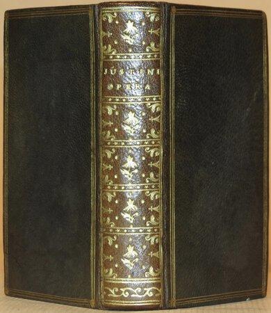 History (Justini Historiarum Ex Trogo Pompeio Lib. XLIV cum notis Isaaci Vossii). by JUSTINIUS